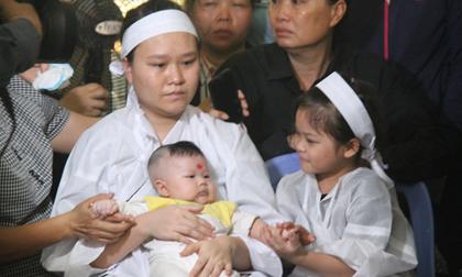 Nghẹn ngào lễ viếng 2 phi công hy sinh trong tai nạn rơi máy bay ở Khánh Hòa