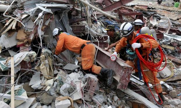 Sập nhà 7 tầng khiến 28 người chết: Campuchia bắt nhà thầu TQ - 2