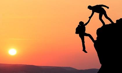 Bài học cuộc sống: Ai sẽ là người dang tay cưu mang ta khi gặp hoạn nạn?