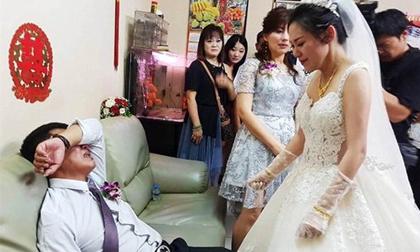 https://xahoi.com.vn/thuong-con-gai-di-lay-chong-cha-ngoi-tren-ghe-oa-khoc-nuc-no-336996.html
