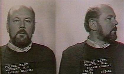 Sự thật rùng mình về tên sát nhân khét tiếng nhất thế kỷ 20, từng giết hơn 200 người và có sở thích đóng băng nạn nhân để xóa dấu vết