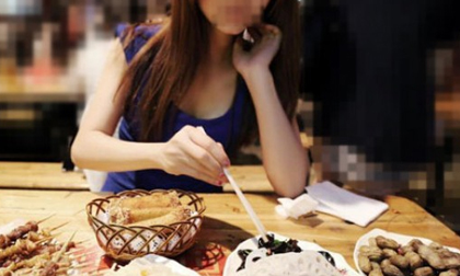 https://xahoi.com.vn/co-gai-nhan-tin-chi-coi-la-ban-va-man-doi-qua-ba-dao-cua-chang-trai-khien-dan-mang-nga-non-bai-phuc-337657.html