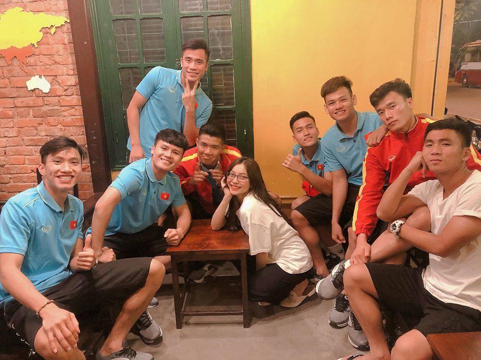 Thái độ bạn gái Quang Hải trước thị phi dồn dập