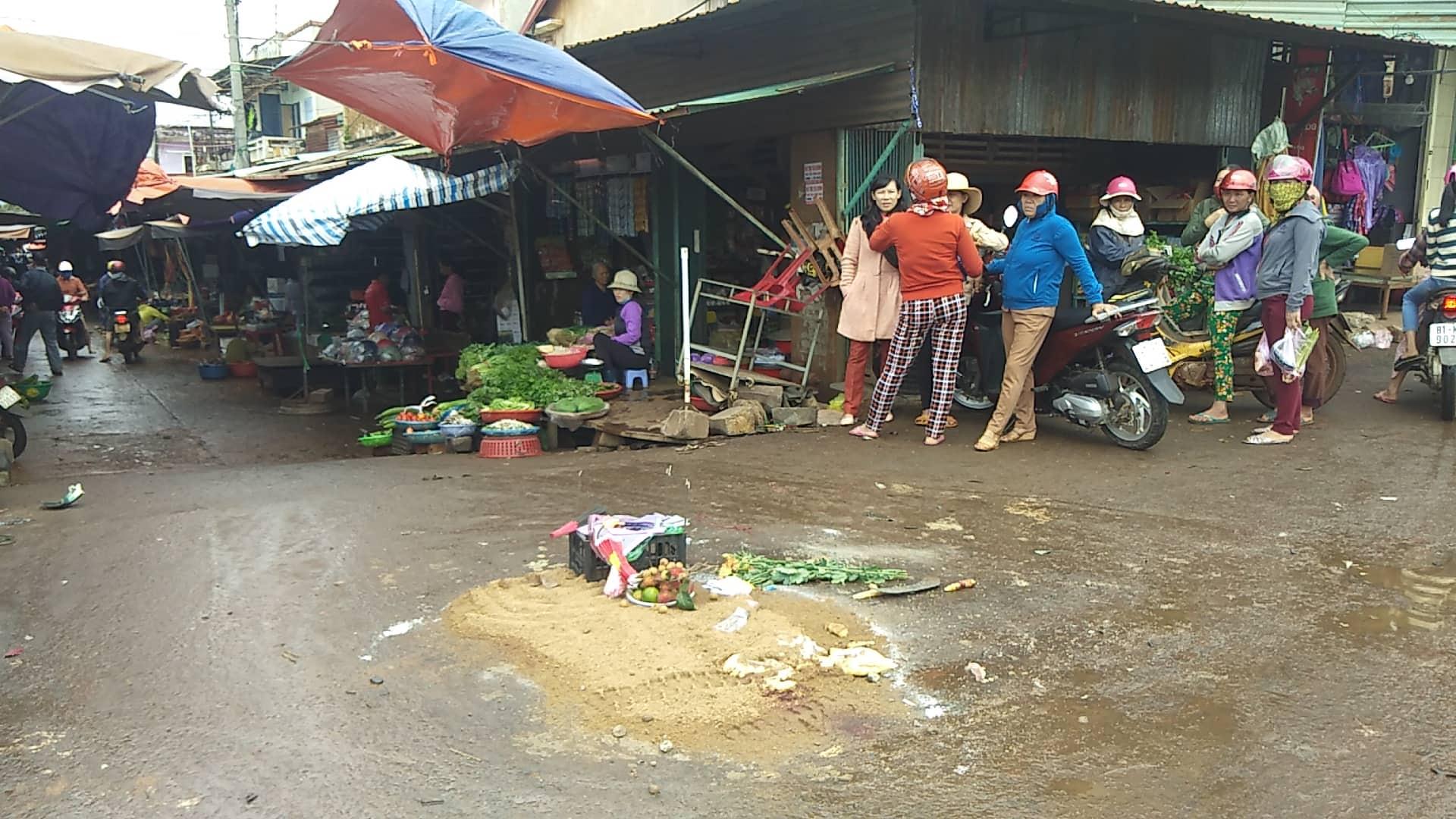 Vụ xe khách tông vào chợ: Tài xế khai gì?