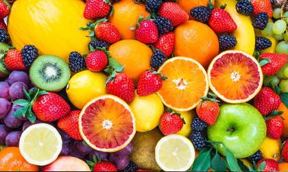 """Ăn trái cây tưởng đơn giản nhưng ăn sai cách là """"rước hoạ"""", nắm những nguyên tắc này để không gây hại sức khỏe"""