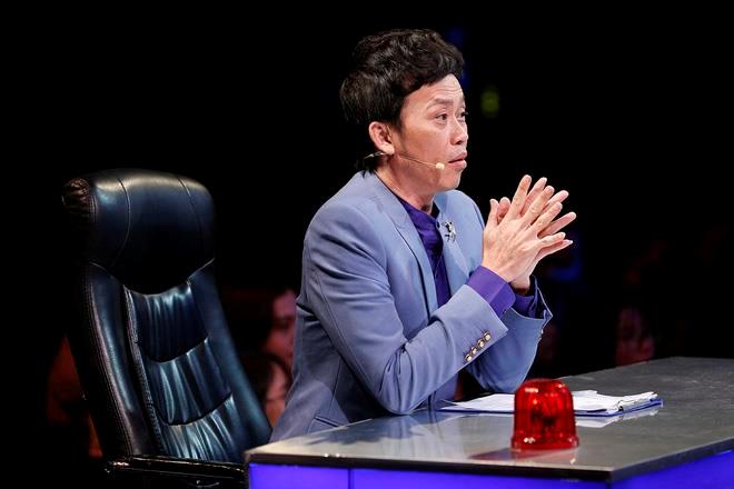Vì sao Hoài Linh vắng mặt ở hàng loạt game show truyền hình? - 1