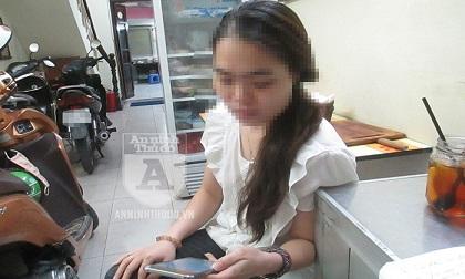 Dù cảnh giác, cô gái trẻ vẫn bị kẻ lừa đảo rút sạch tiền ngân hàng