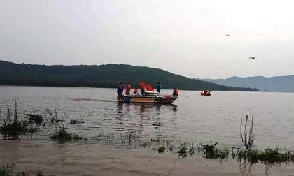 2 người tử vong do lật thuyền trong mưa lũ ở Hà Tĩnh