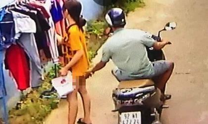 Tìm ra nam thanh niên chạy xe máy sàm sỡ cô gái đang phơi đồ giữa ban ngày