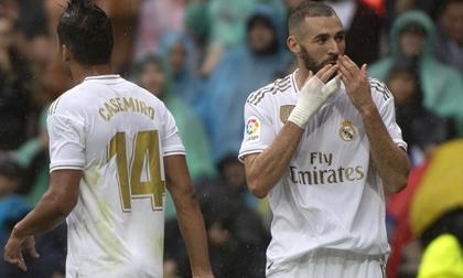 Benzema lập cú đúp, Real Madrid thắng trận đầu tại Bernabeu
