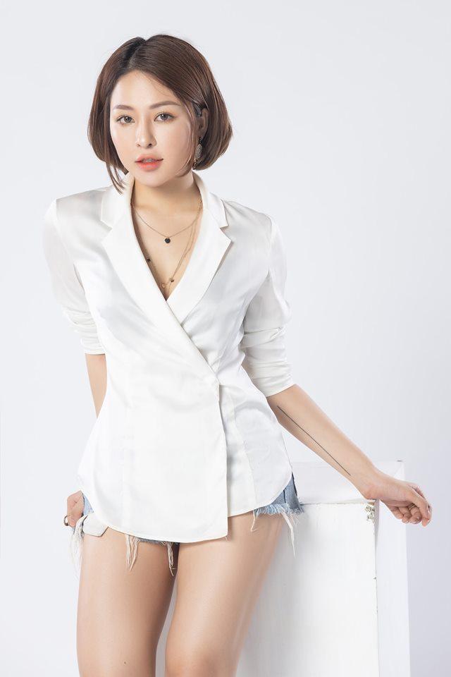 Sau 6 tháng vướng ồn ào lộ clip nóng, hot girl Trâm Anh