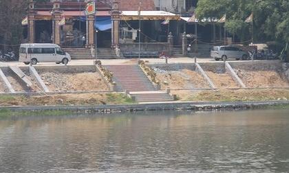 Mẹ mất, cha ở tù, bé trai 5 tuổi tử vong thương tâm dưới sông Hương