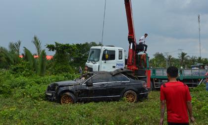 Hé lộ nguyên nhân cái chết của 3 nạn nhân trong vụ xe Mercedes lao xuống rạch