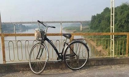 Xe đạp trên cầu, thi thể cô gái 22 tuổi vừa tốt nghiệp đại học dưới sông
