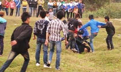 Mang dao kiếm đến làng khác 'thị uy', thanh niên bị phóng dao tử vong