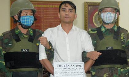 Tiếp tục bắt giữ trùm ma túy kèm vũ khí nóng tại Cửa khẩu quốc tế Cầu Treo