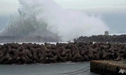 Siêu bão Hagibis chưa đổ bộ đã khiến 1 người thiệt mạng ở Nhật