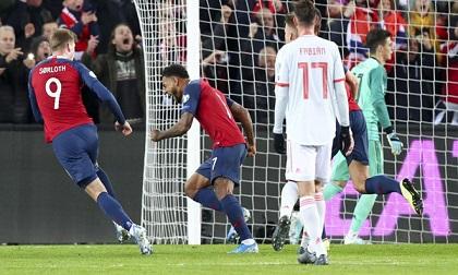 Tây Ban Nha để Na Uy cầm hòa 1-1 khi thủng lưới phút 90+4