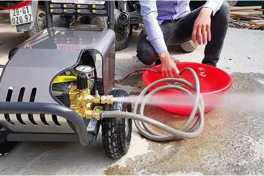 Máy rửa xe bị giật và cách xử lý dứt điểm tình trạng này!