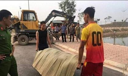 di-choi-ngay-2010-nu-cong-nhan-roi-xuong-ho-tu-vong-344559.html