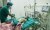 Nổ đèn pin Trung Quốc, bé trai 16 tuổi bị thương nặng ở bụng