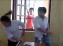 Clip nam sinh bạo lực với bạn gái ngay trong lớp