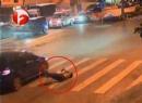 Đá cánh cửa xe cố tình bắt lỗi và bị đâm chết