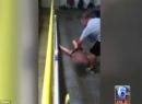 Phẫn nộ cảnh nữ sinh 14 tuổi bị thầy giáo kéo lê trên sàn