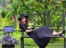 Ngắm nét dịu dàng và nữ tính của MC Trịnh Vân Anh