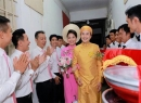Tuấn Khải đến rước cô dâu Lê Khánh từ sáng sớm
