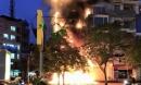 Hà Nội: Một ngân hàng bốc cháy dữ dội