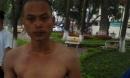 Nam thanh niên 'ngáo đá' hùng hục bơi ra tháp Rùa tìm… nàng tiên cá