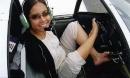 Cô gái có thể lái máy bay bằng chân