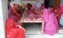 Kinh hoàng bé gái bị báo đánh cắp khi ngủ chung với bố mẹ