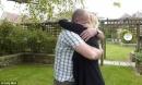 Chồng vào tù và cách hành xử bất ngờ của người vợ khiến nhiều người ngưỡng mộ