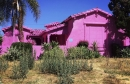 """Được sơn hồng rực trước khi 'ra đi', 3 căn nhà hoang bỗng thành """"thánh địa sống ảo"""""""