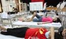 Bệnh nhân mắc sốt xuất huyết ồ ạt nhập viện, bệnh viện bỏ cả hội trường thành lập khu điều trị dã chiến