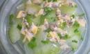 Nấu canh ngao bí đao kiểu này vừa bổ dưỡng thơm ngon, bao nhiêu cơm cũng hết dù nắng nóng tới mấy