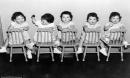 Cuộc đời đầy biến cố của 5 bé gái trong ca sinh 5 đầu tiên trên thế giới