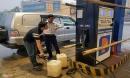 Tự ý tăng giá xăng sau bão, một cửa hàng bị phạt 40 triệu đồng