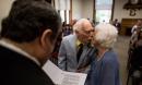 Chú rể 94 tuổi kể về đêm đầu tiên ngủ cùng cô dâu 98 tuổi ngay tại đám cưới