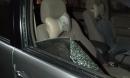Tên trộm táo tợn đập cửa kính ô tô, trộm hàng trăm triệu đồng trước camera