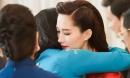 Đám cưới Đặng Thu Thảo và Trung Tín: Cô dâu ngấn lệ xúc động, ôm mẹ trước khi theo chồng đại gia về dinh