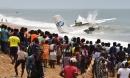 Máy bay chở hàng quân sự lao xuống biển, 10 người thương vong