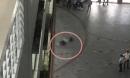 Nhân chứng vụ nam SV HUTECH tử vong: Mảng bê tông bất ngờ rơi xuống, phát ra tiếng 'rầm' lớn khiến nhiều bạn hốt hoảng