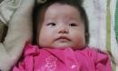 Bé gái 3 tháng tuổi bị bỏ rơi trước cửa nhà người đàn bà muộn con