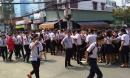 Khói lửa ngùn ngụt trong trường học, hàng trăm học sinh ở SG tháo chạy