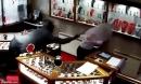 5 tên cướp Anh lao vào cửa hàng trang sức trấn lột 8 tỉ đồng
