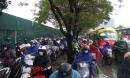 Hà Nội tắc nghẹt trong giá rét kỷ lục 9 độ kèm mưa, hàng ngàn người chôn chân tại chỗ