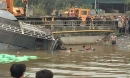 Xe tải lao xuống sông, lái xe tử vong trong cabin